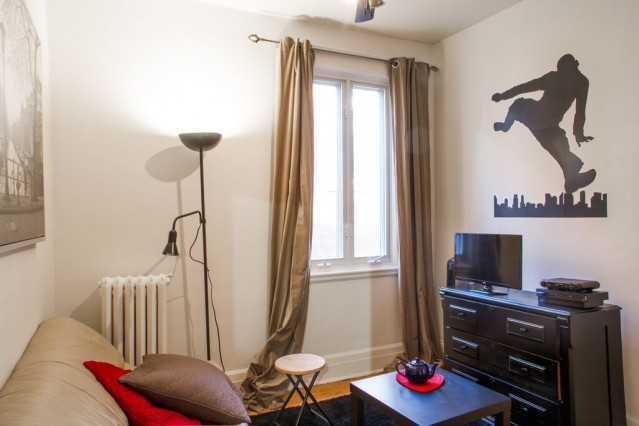 house_duquette_secondfloor_livingroom1