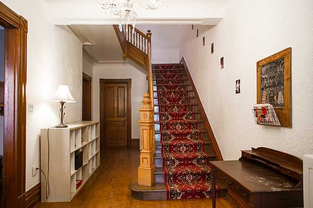 house-laval_stairs