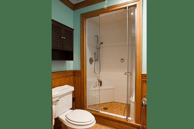 house-laval_bathroom1