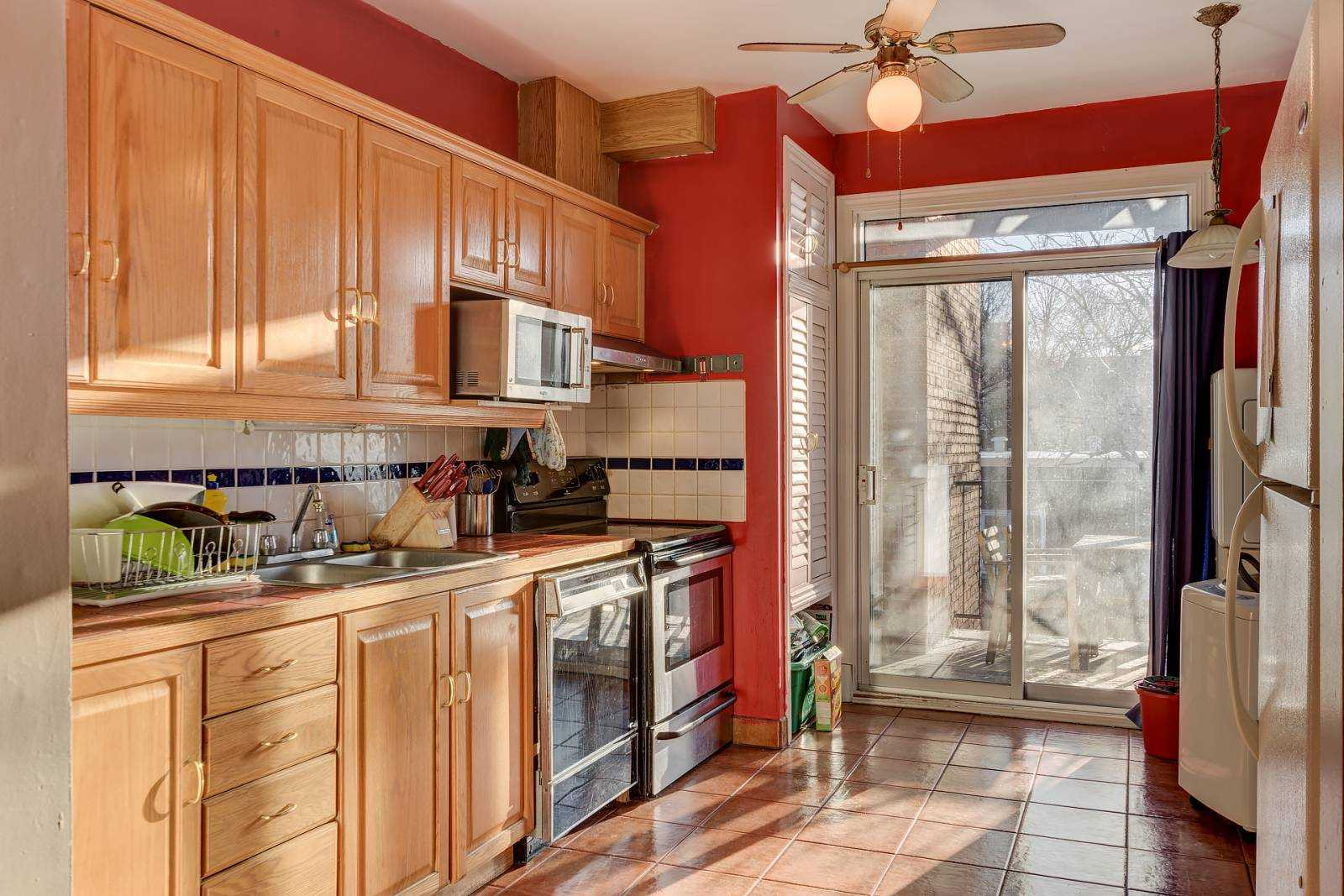 rooms-to-rent-mtl-kitchen