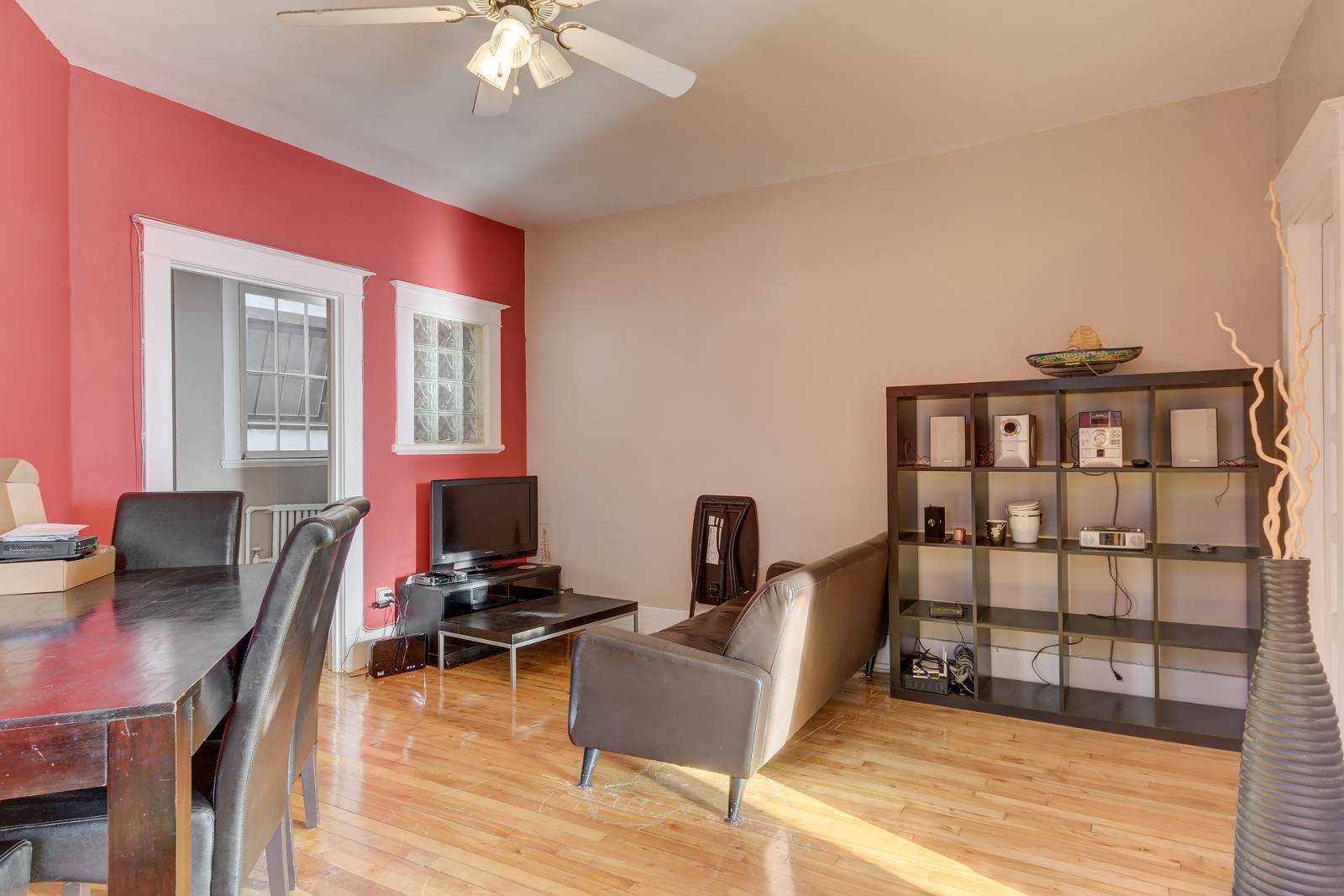 rooms-to-rent-mtl-livingroom-2