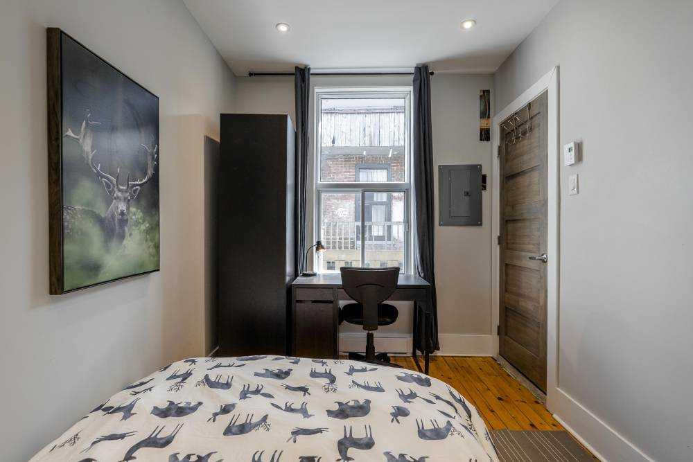 Room 4 / La maison du plateau 3rd floor