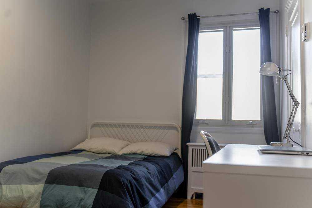 Room 3 / La Maison Côte Ste-Catherine  Second Floor