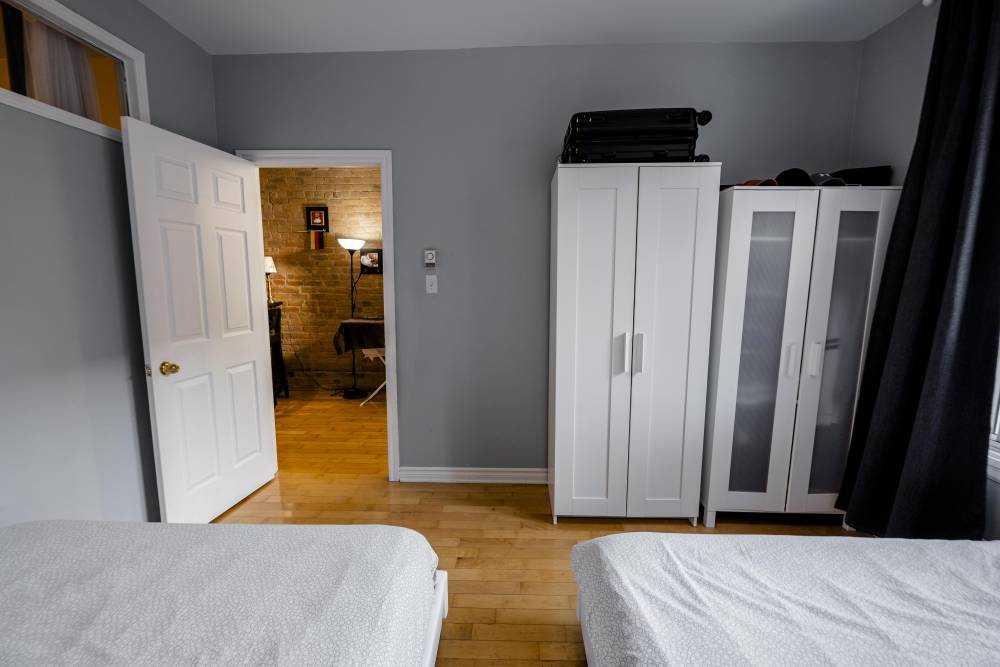 Room 1 / La maison Duluth / bedroom for 2 peoples