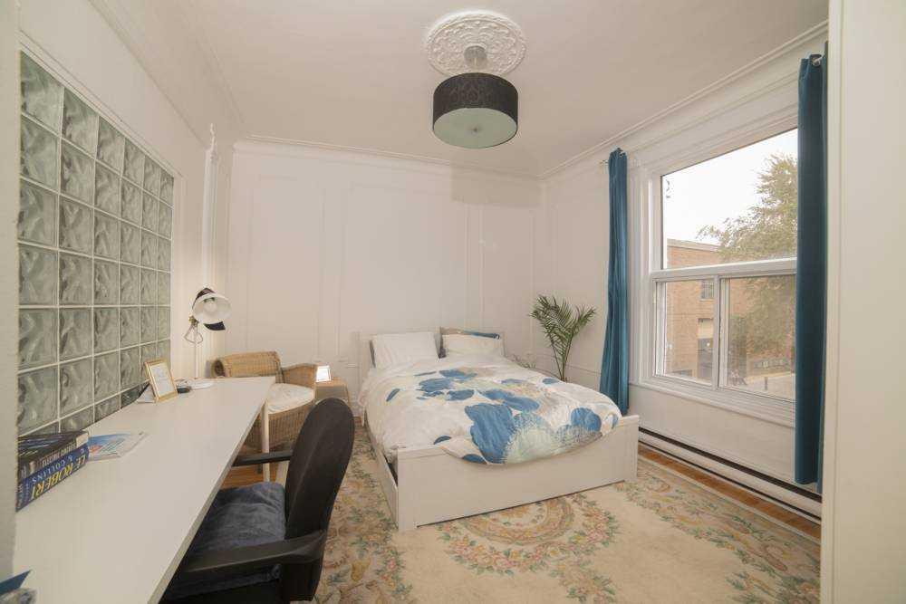 Room 1 / La maison du plateau 2nd floor