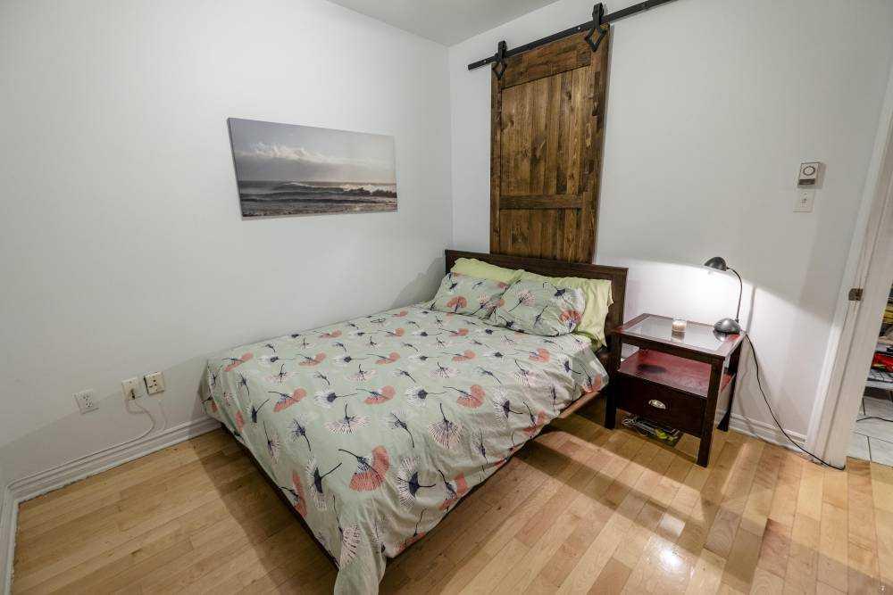 Room 3 / La maison Duluth